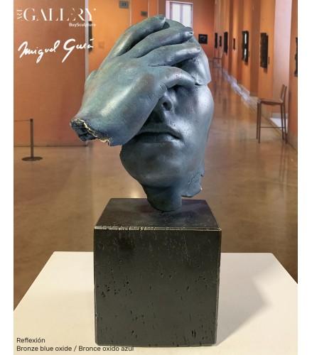 Die Reflexion Bronze Blau