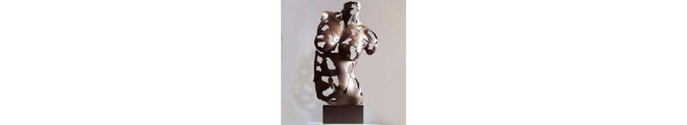 Skulpturen von Frauen